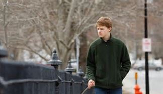 lucas-hedges-2